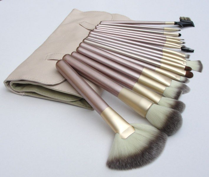 High Quality 18Pcs/set Cosmetic Makeup Brush Foundation Powder Eyeliner Professional Brushes Tool with Roll up Leather Case