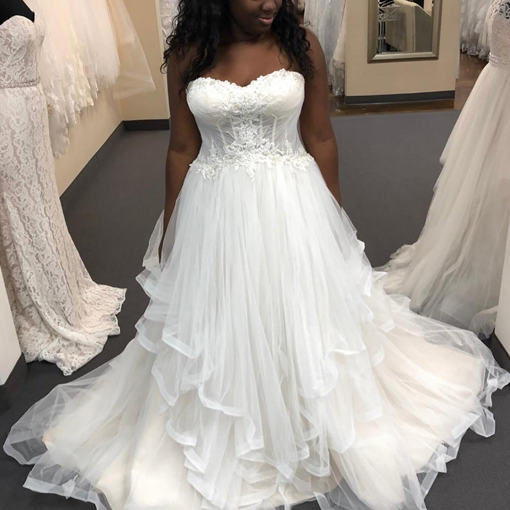 2019 Plus Size Wedding DressA Line Lace Appliqued Sweep