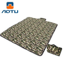 High Quality 2019 Outdoor 180*150cm Camouflage picnic barbecue mat PE Cotton crawl dampproof tent