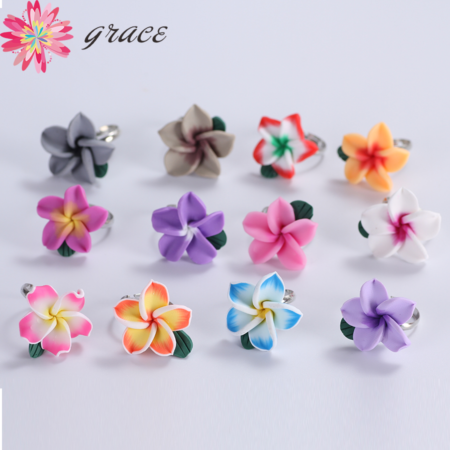 20pcs/lots Handmade Beauty Polymer Clay Hawaii Plumeria Flower Summer Style Adjustable Finger Rings For Women Wedding Party Gift