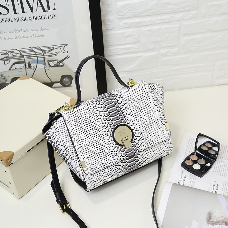 Women PU Leather Handbags Messenger Bags Fashion Small Flap Shoulder Bag Ladies Mini Crossbody Bags Female SS0151