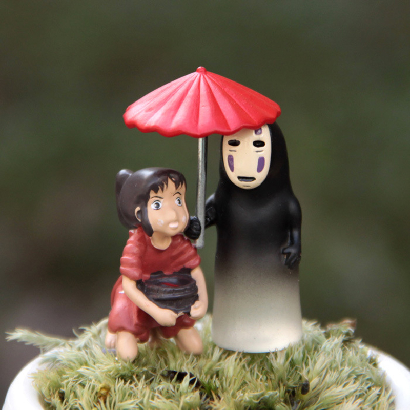 2pcs/lot Miyazaki Hayao Spirited Away Chihiro Hold Tubs & No Face With Umbrella Cute Figures Resin Action Figure Model Toy