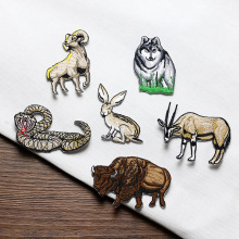 1pc animals embroidered Patches for Clothing iron on Embroidery Stickers Clothing Applique Decoration carton Badge snake 1pc landscape embroidered patches for clothing sew on tree embroidery parches for backpack clothing applique decoration badge