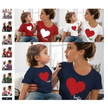 2019 New Mother and Daughter T-Shirt Short Sleeve Summer Love heart Print Family T Shirt Kids Top Family Matching Clothes E0137 цена