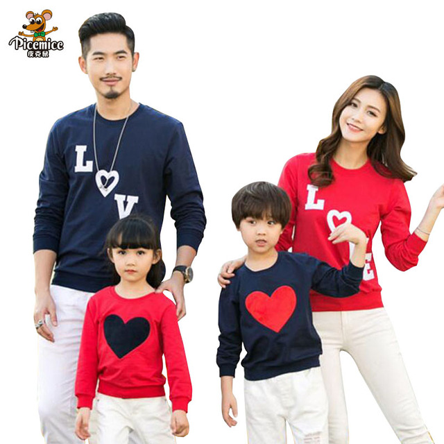 ca3f02f2f New arrival 2019 Family family matching clothes Mom/Dad/Baby Love Long- Sleeve Cotton T shirts spring/autumn Family Clothing