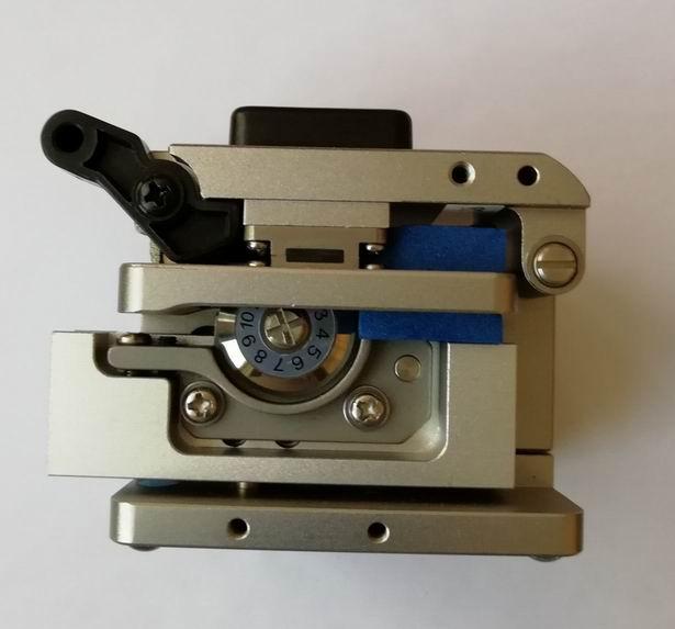 CZYSZCZENIE WŁÓKNA OPTYCZNEGO HPC-8S, ostrze z automatycznym - Sprzęt komunikacyjny - Zdjęcie 2