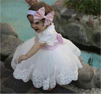 2017 schöne Babys Geschwollene Geburtstag Kleid mit Stirnband Bogen White Lace Little Girls Formal Wear Blume Mädchen Kleid Irgendeine größe