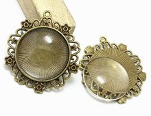 One Antique Bronze Effect Flower Cameo Pendant Blank Bezel Tray Setting // with Clear Glass Cabochon APB023theof