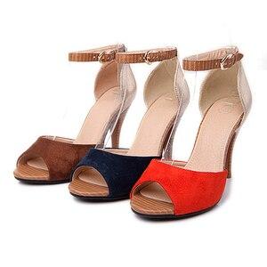 Image 3 - Sandalias de tacón alto con hebilla para mujer, zapatos femeninos de tacón grueso con hebilla, sandalias de estilo Gladiador, adecuadas para el verano, 2019
