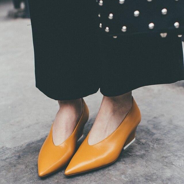 Желтый Черный С Острым Носом V-рот Толстые Высокие Каблуки Женщин Насосы 2017 Новый Дизайн Элегантная Мода Дамы Партия Обуви красивые