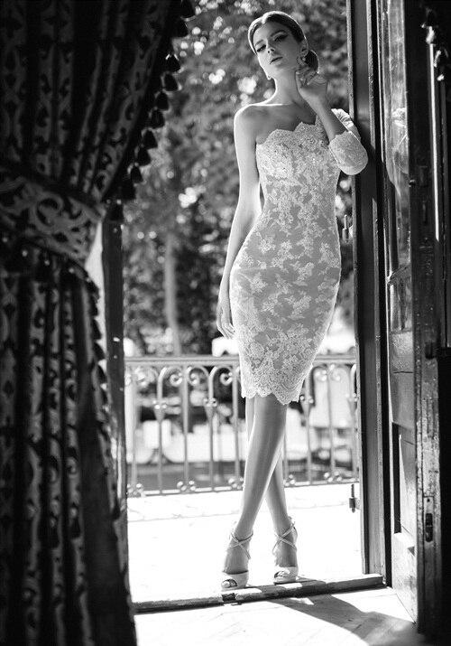 Платье с одним коротким рукавом
