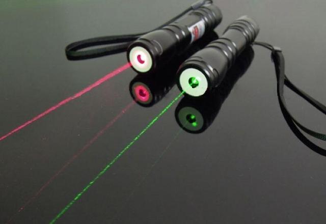 New 2016 Green Laser pointer 10000 532nm High power Lazer burning Laser presenter laser pointer light match