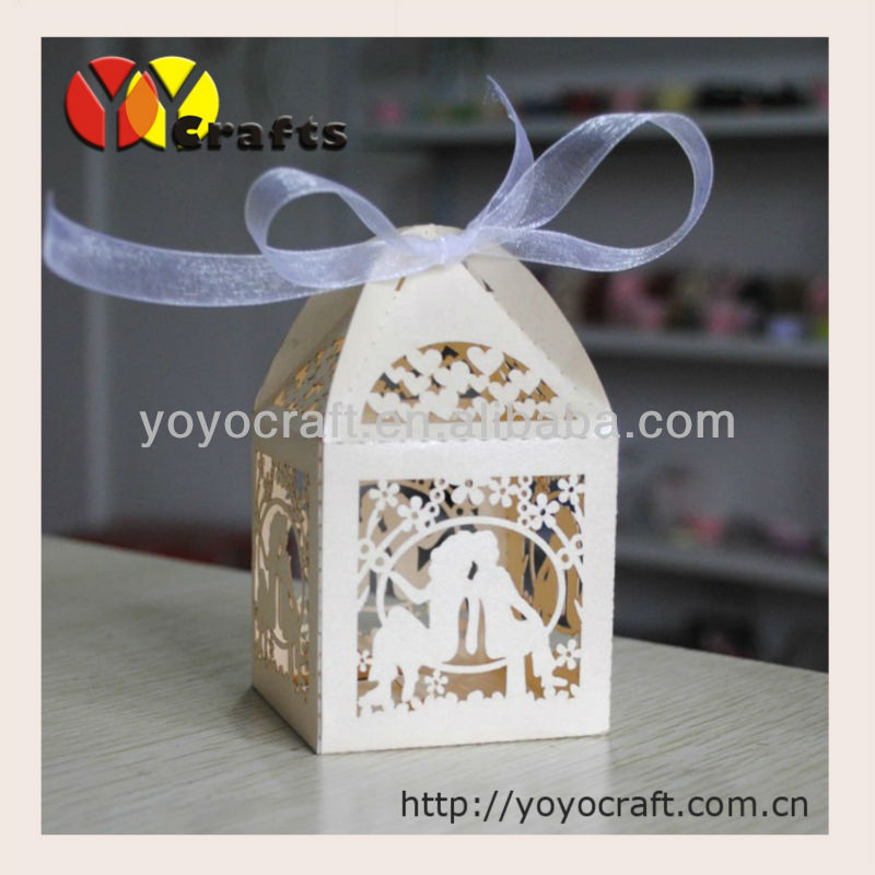 hot sale 2*2*3 Laser Cut Bride Groom Wedding Favor candy box(Color can be customized)