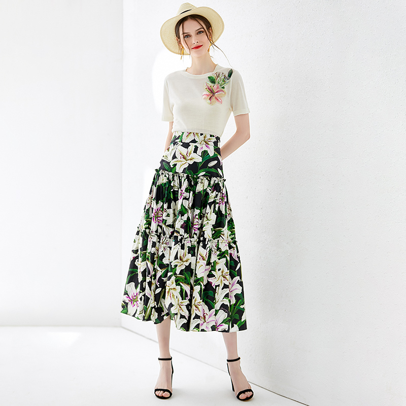 Chic women High quality dresses suit 2019 sumemr beading knitted T shirts floral print skirts 2pieces set A553 in Women 39 s Sets from Women 39 s Clothing