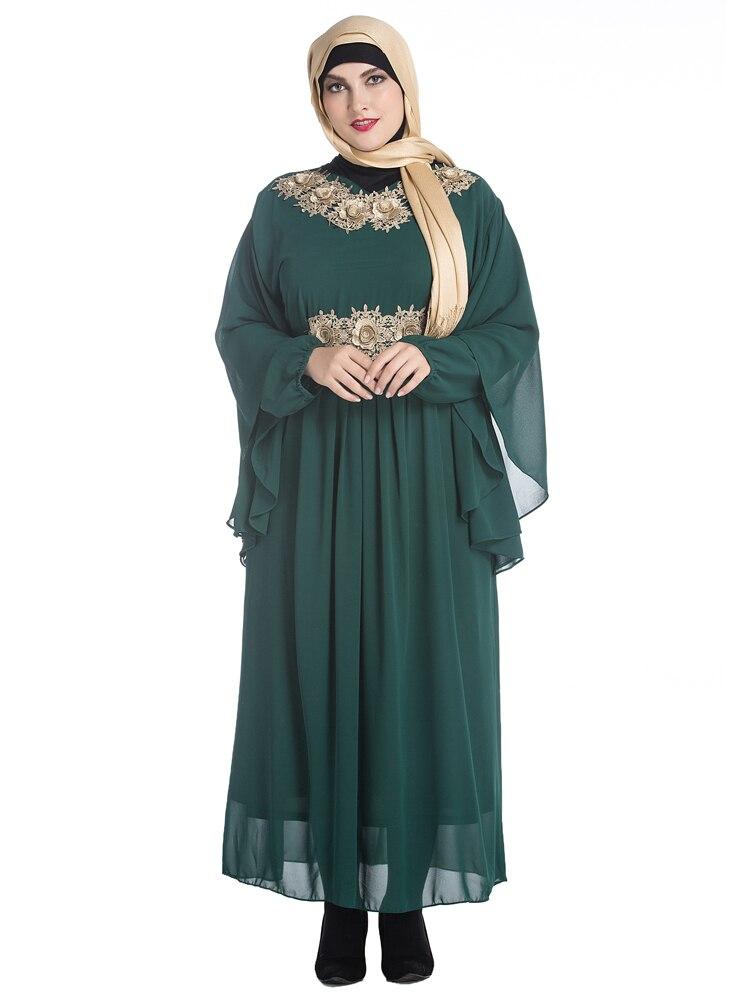 2017 Plus Size Women Long Gown Muslim Dress Clothing for Women High Quality  Appliques Muslim Abaya Islamic Kaftan Dubai Dresses-in Dresses from Women s  ... 93d3826812a6