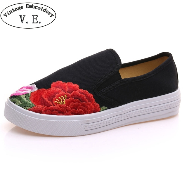 Chinese Women Casual Embroidery Sneakers black canvas Platforms Slip On Soft Single Flat Shoes Sapato Feminino Plus Size 41