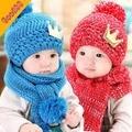 Otoño invierno bebé hat + scarf twinset niños sombrero hecho punto invierno de las muchachas de tapón corona bufanda de la gorrita tejida 6M-3Y niños accesorios