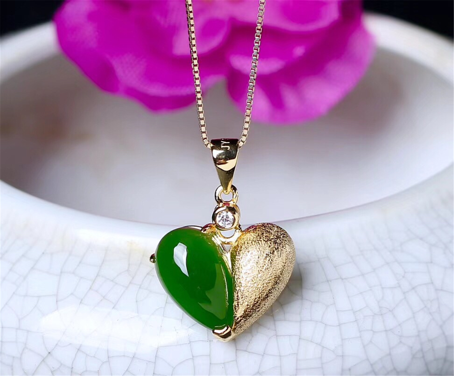 New S925 With Certificate Sterling Silver Natural Chinese Hetian Green Jade Women Heart Pendant Valentines Day GiftNew S925 With Certificate Sterling Silver Natural Chinese Hetian Green Jade Women Heart Pendant Valentines Day Gift