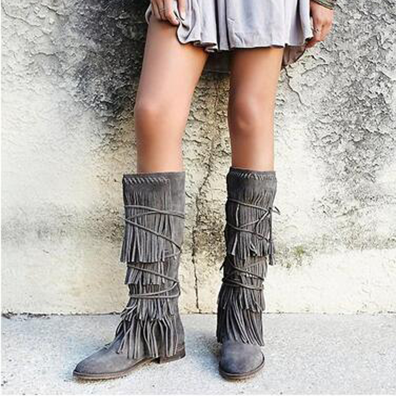 Для женщин серые замшевые бахрома Украшения низкий квадратный каблук зимние модные сапоги до колена завязанный накрест Молния сзади теплы