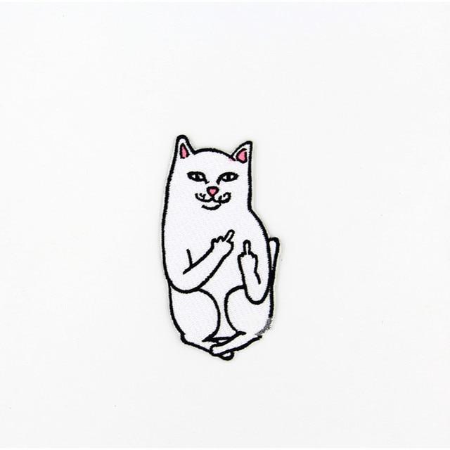 Gato con el dedo medio humor palabras divertidas say away Patch ropa ...