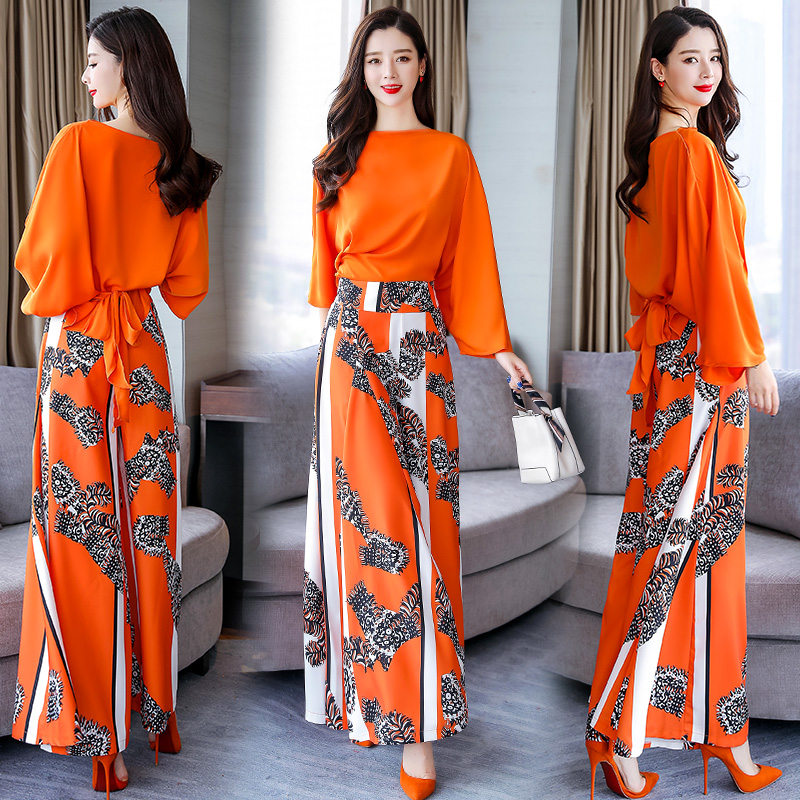 Suit female 2019 Summer new batwing sleeve loose blouse tops and flowers wide leg trousers elegant