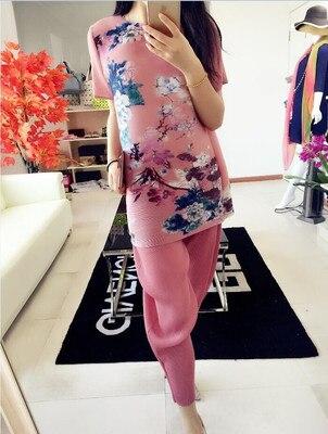 Vaguement type Livraison Trimestre Gratuite Vente Robe Un shirt Manches Avec Rose Stand Plis T Cou Chaude rouge Miyake Plissée 00YHxr