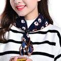 2017 Новая Мода Дамы Небольшой Площади Шарф Цветок Печатных Женщины Марка Обертывания Горячие Продажа Весна дамы Шарфы floural оголовье