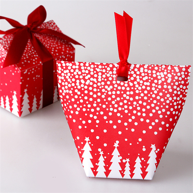 Small candy boxes Christmas tree packaging gift box of biscuits ...