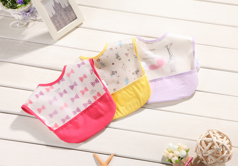 Free Shipping Baby Saliva Towel Disposable Bib Kerchief Waterproof Cotton Triangular Scarf Cute Printing Soft Infant Burp Cloths