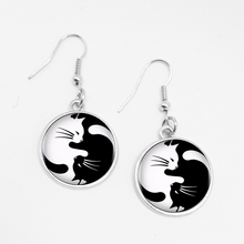 LETS SLIM 1 Pair Black and White Glass Two Cat Fashion Earrings Charm Pet To Map Private Custom