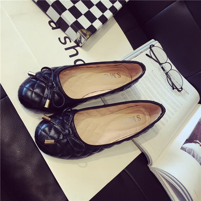 Hot!!Soft bottom flat black bowknot sexy female leather shoes with big yards shallow mouth round head