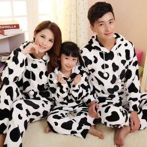 JINUO 2018 Новое поступление, зимняя Фланелевая Пижама для всей семьи из коровьей кожи, для родителей и детей, утепленные пижамные комплекты, мяг...