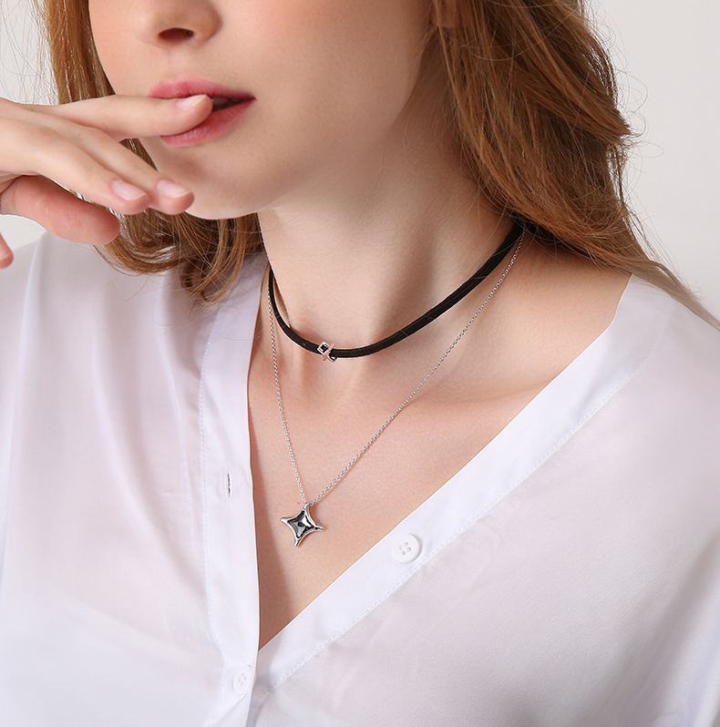 Detail Feedback Questions about WARME FARBEN Women Necklace Crystal from Swarovski  Black Dope Rope Chain Crystal Pendant Baroque Clavicle Choker Necklace ... e4c52d1e25ee