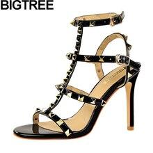 BIGTREE Для женщин Классические лодочки сандалии металлические штифты, заклепки сандалии с ремешками на высоких каблуках и вырезными элементами сандалии с пряжками и Ремешок на щиколотке туфли на высоком каблуке