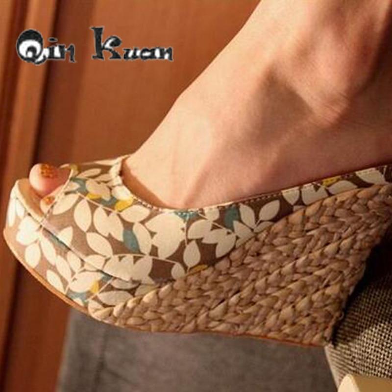 Qin Kuan Fashion Women Bohemia Floral Print Weaving Wedge Peep Toe Slippers Shoes PlusSize 30-43