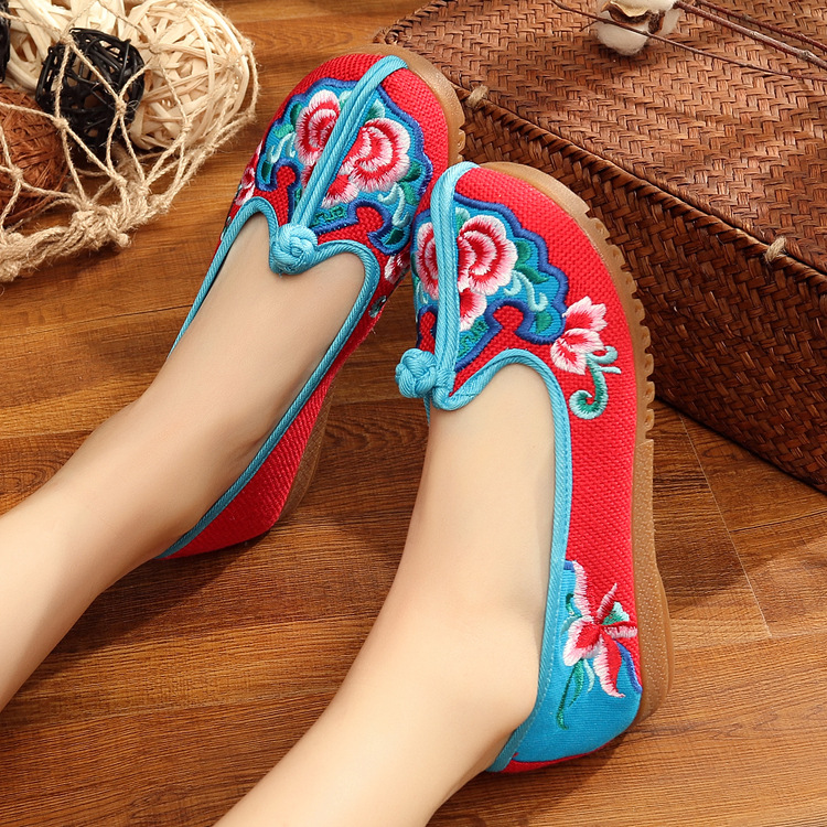 New Fashion Spring/Autumn Chinese Style Flats Embroidery Women Casual Cloth Shoes Size35-41 Red+Blue Soft Sole Cozy Shoes Woman clearance sale spring chinese style flower embroidery handmade women shoes embroidered fashion flats shoes for ladies 4 colors