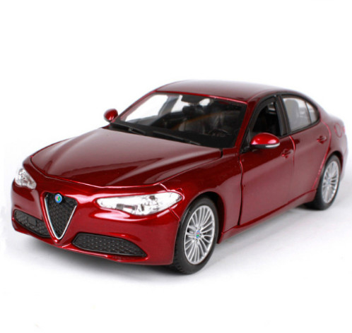 NEW ARRIVAL Bburago 1:24 Alfa Romeo GULIA Sports Car Model Diecast Model Car Toy For Kids Gifts With Box Free Shipping