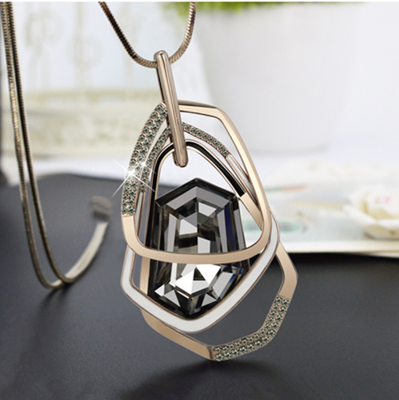 2016 New Arrival Women Pendant Necklaces Section Crystal