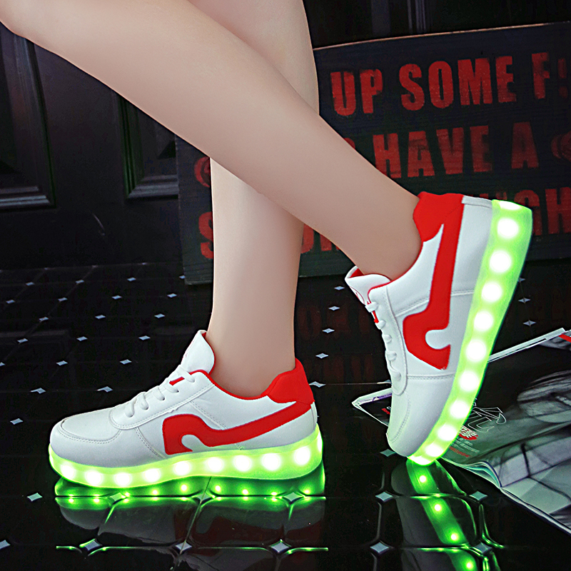 New 2017 Children Shoes 7 Colorful With USB Girls Light Shoes Boys Rechargeable Fluorescent Luminous Shoes Youth LED Sneakers