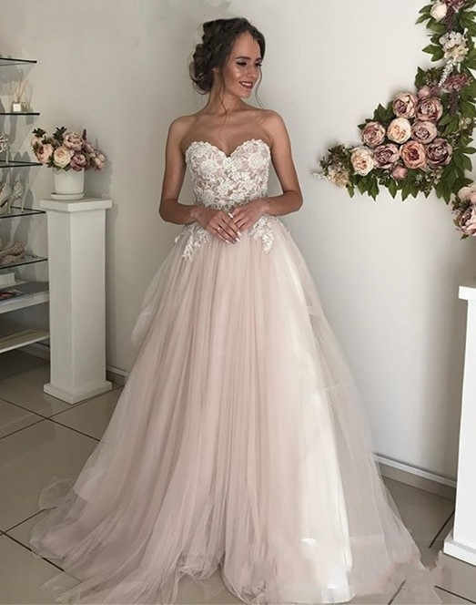 Wedding Dress 2019 Elegant Appliqued Lace Sweetheart Sweep Train