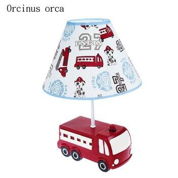 Креативный мультяшный красный автомобиль, настольная лампа для мальчика, спальни, детской комнаты, современная простая резиновая Автомоби...