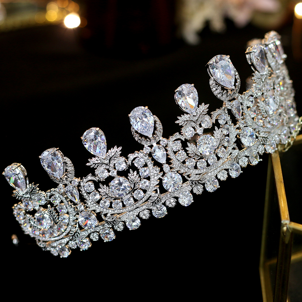 2018 New Arrivals Zircon Wedding Tiaras Crystals Bridal Tiaras Queen Crowns Hair Jewelry Wedding Crown Hair Accessories in Hair Jewelry from Jewelry Accessories