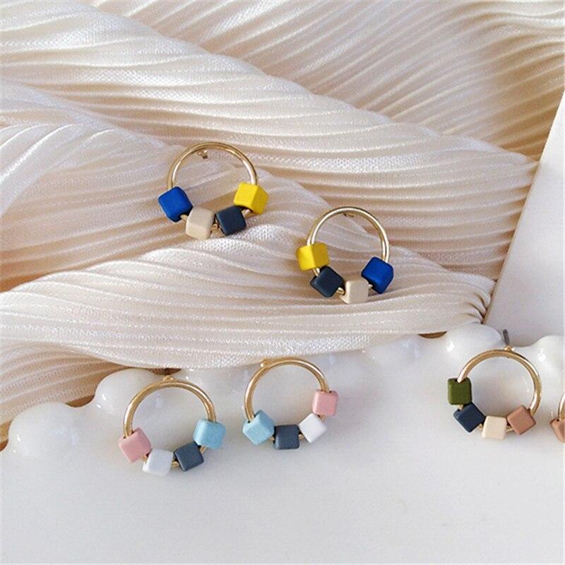 Fashion color earrings creative geometric circular earrings Ms exquisite fashion earrings New earrings girl a birthday present