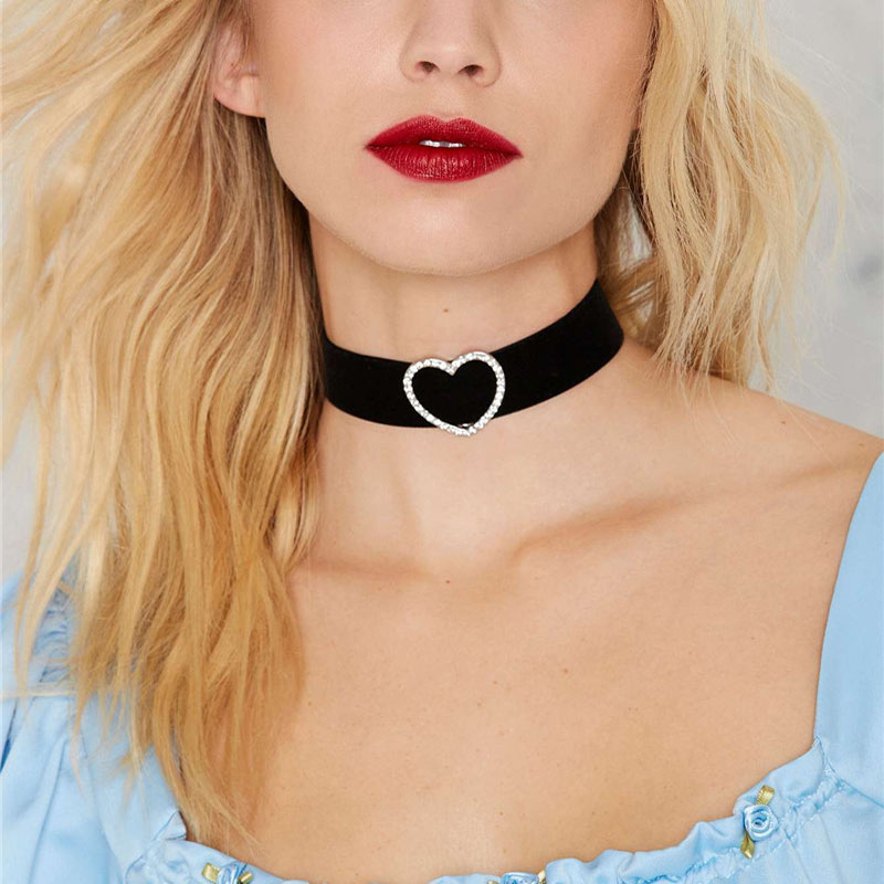Hot Punk Harajuku Collar Choker Necklace Velvet Choker Punk Goth 100% Handmade Neck Jewelry Heart Necklace Chocker NR3664