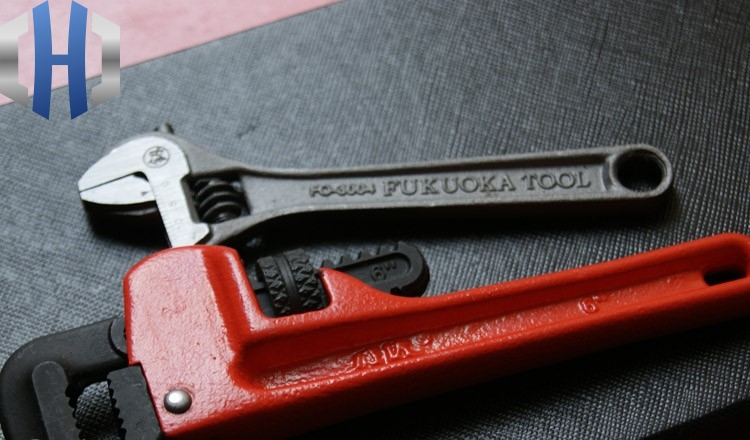 Small Size Pipe Wrench Self defense Wrench Broken Window EDC Tool in Wrench from Tools