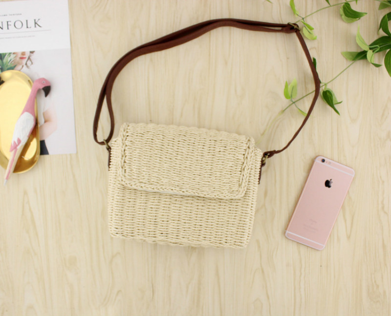 2019 New Vintage Woven Women Bag Mini One shoulder Straw Woven Bag Casual Fashion All purpose Beach Bag Lady Beige, Light Brown