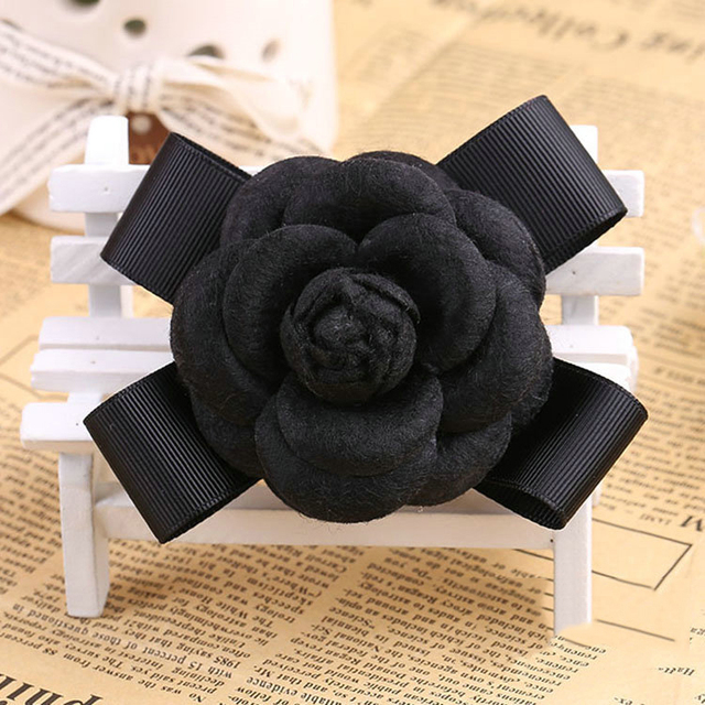 Fashion Women Quality Faux Wool Fabric Camellia Flower Bowknot Brooches Handmade Costume Accessories Big Brooches for Ladies