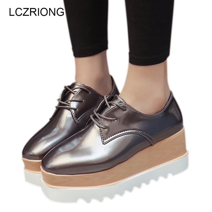 Vintage Women Platform Flats Patent Leather Lace Up Pointed Toe 8 CM Flat Platform Beige Gold Black Creepers Flat Shoes 2017 women genuine leather brogue flats shoes patent leather lace up pointed toe luxury brand red blue black pink creepers