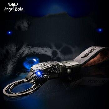 Wysokiej jakości stopu mężczyźni Leopard brelok do kluczy brelok do kluczy Holder breloki biżuteria torba wisiorek prawdziwej skóry prezent funkcja LED