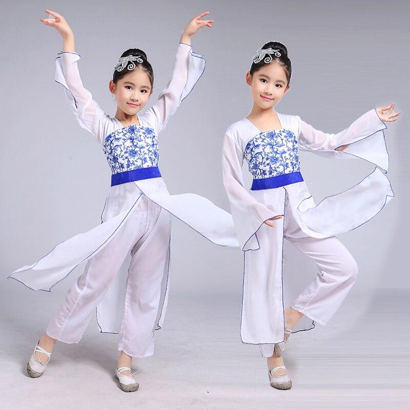 Танец дети в белых х
